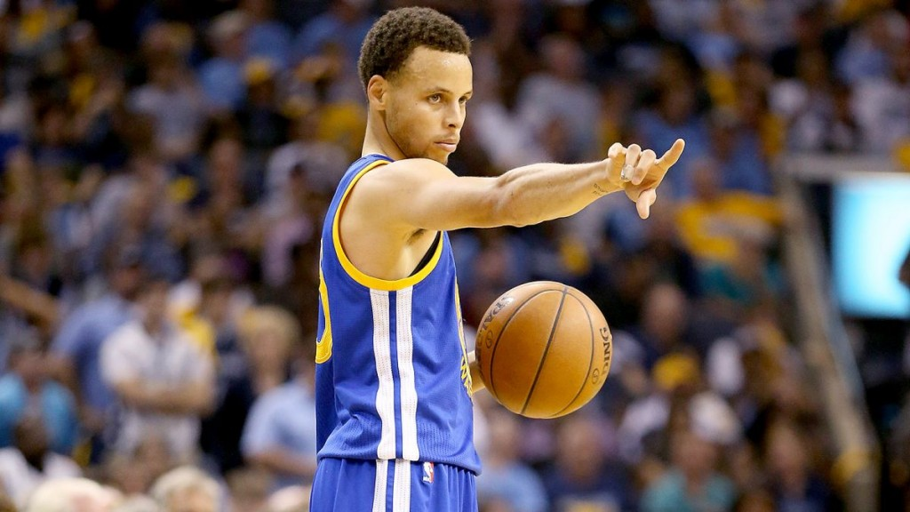 051115-NBA-warriors-curry-gives-instructions-ahn-PI.vresize.1200.675.high.25